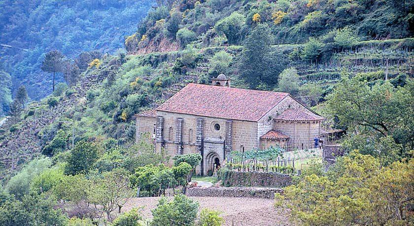 Resultado de imagen de Monasterio de San Vicente de Pombeiro (Pantón, Lugo)